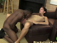 Tiny twink and a nice black rod fuck is awesome